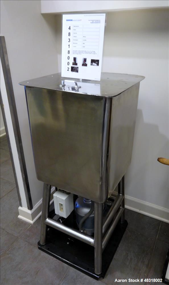 Used- Likwifier, Approximate 30 Gallon, 304 Stainless Steel, Vertical.