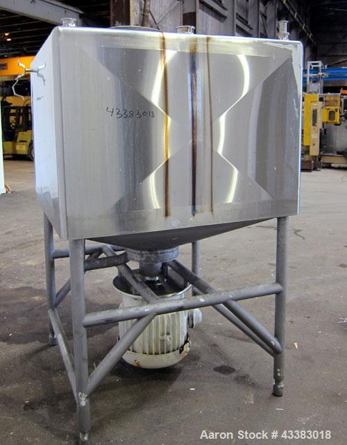 """Used- Breddo Likwifier, 300 Gallon, Model LDT, 304 Stainless Steel. Non-jacketed tank 48"""" wide x 48"""" long x 31"""" straight sid..."""
