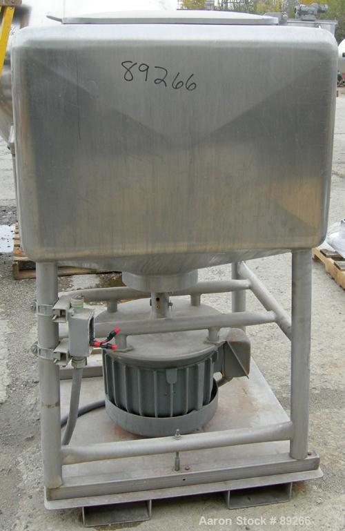 """USED: Breddo Likwifier, 304 stainless steel, 100 gallon working capacity. Non-jacketed 35-1/2"""" wide x 35-1/2"""" long x 22"""" str..."""
