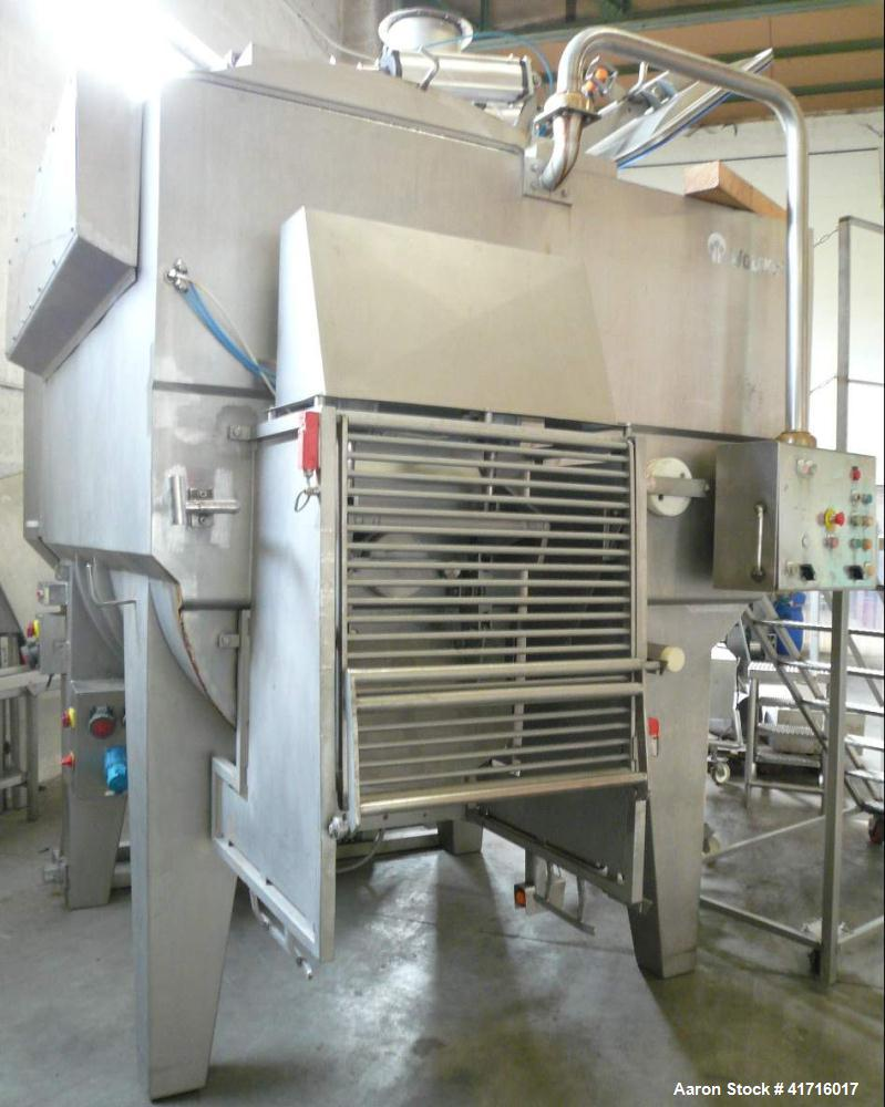 Used-Wolfking Vacuum Mixer, Model TSMIV 3250, Stainless Steel.  Includes vacuum pump.  Total capacity 1189 gallons (4500 lit...