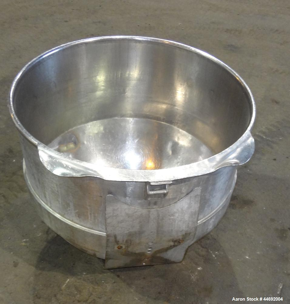 Used- Stainless Steel AMF Glen 340 Quart (85 Gallon) Mixing Bowl