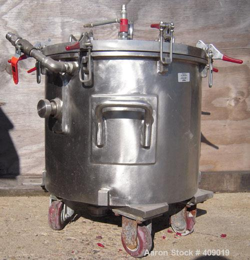 "Used- Ross 10 Gallon Mixing Can, 304 Stainless Steel. 18"" diameter x 13"" deep, stainless steel jacketed. 2"" outlet. Includes..."