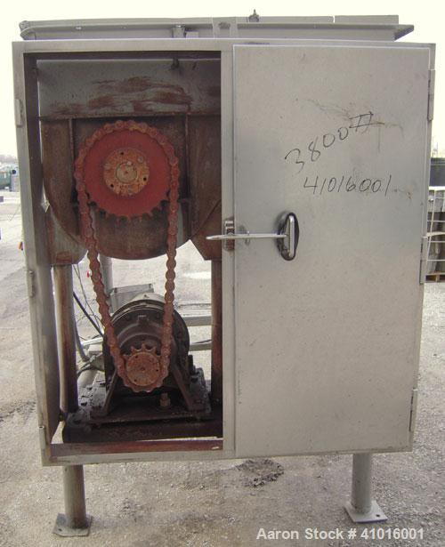 Used- Mepaco Twin Shaft Ribbon Mixer. Approximately 116 cubic feet and 2000 pound capacity, 304 stainless steel. Non- jacket...
