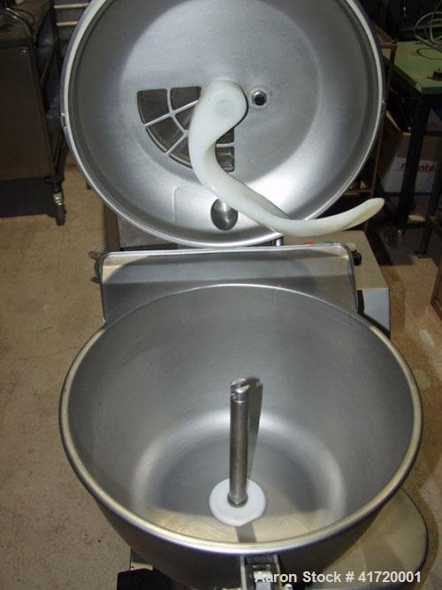 Used-Stephan Universal Vacuum Mixer/Cutter. Stainless steel, capacity 12 gallons (45 liters), mixing speed 1500 rpm, 3000 rp...
