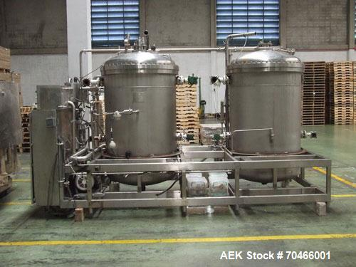 Used-Meyer 72 Valve Filler with Angelus 1201 Can Seamer.  Includes Angelus 120L seamer, model 7299469, fitted with 206 EO ch...