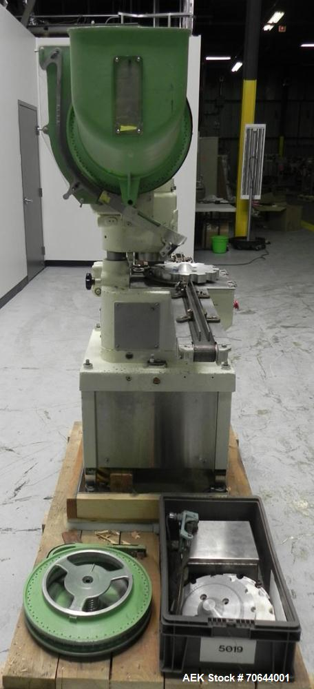 Used- West Company Model PW500F Vial Capper
