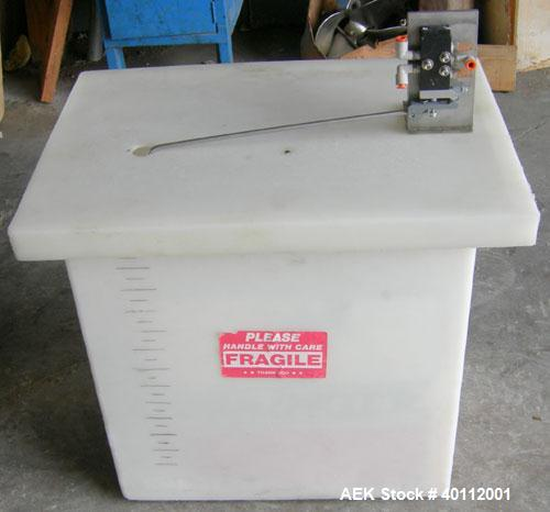 Used- Accutek Auto Pinch 25 Automatic 6 Head Timed Flow Volumetric Filling Machine. Capable of speeds up to 60 BPM. Has pneu...
