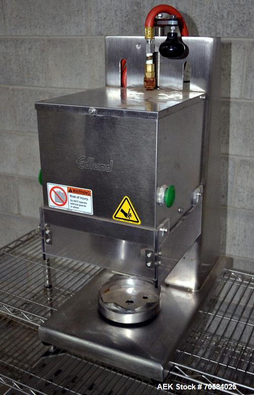 Used- Edlund Model 625 Heavy Duty Air Powered Crown Punch Can Opener. Machine is of Stainless Steel construction.Will open a...
