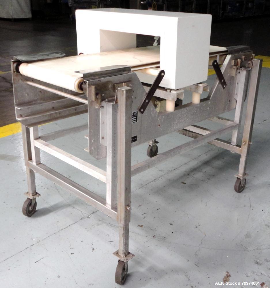 Used- Goring Kerr Tektamet Model 60AL18B Metal Detector