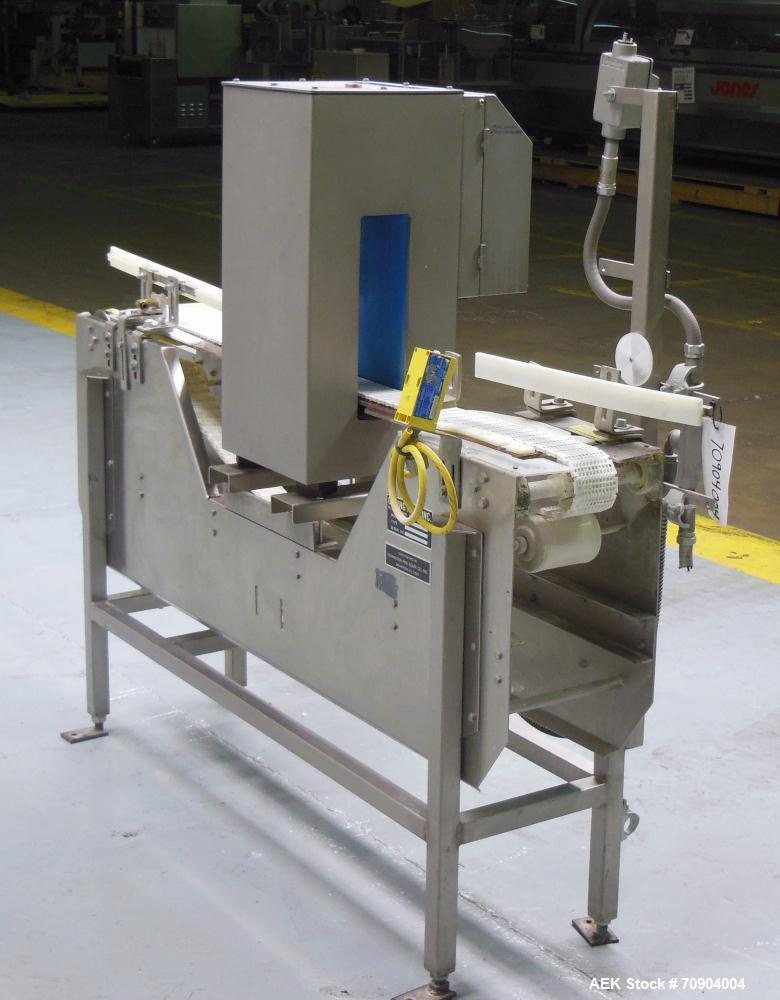 "Used- Loma IQ2 Conveyor Mounted Metal Detector.  Built 10/2002. Aperture size 100 mm (3 15/16"") Wide X 350 mm (13 3/4"") Tall..."