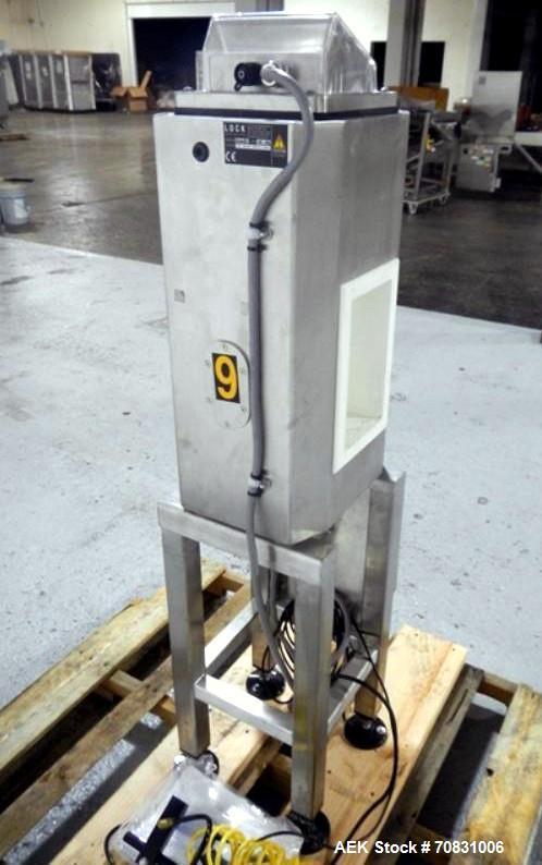 Used- Lock Pass Thru Metal Detector, Model MET 30+