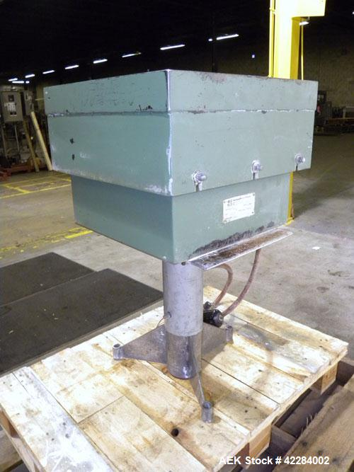 Used- Carbon Steel Cleveland Vibrator Company Light Duty Air Operated Vibratory Table Packer, model VP-6-200