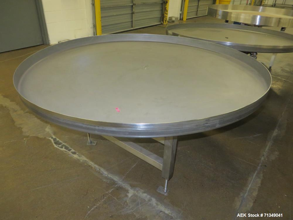 Used-Kamflex Model 901B Accumulation Table. Is run by a 0.5 hp Dayton motor. 9 amps. 1/60/115V.