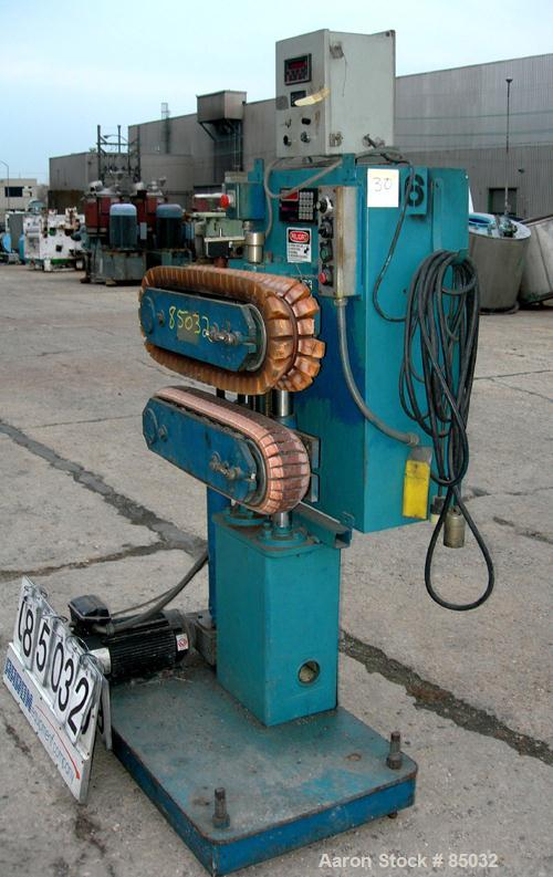 "USED: Puller, (2) 4"" wide x 25"" long contact area, manually adjustable cleated belts. Driven by a 1.5 hp DC gearmotor. Inclu..."