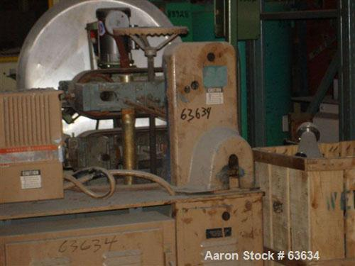 """USED: Gatto puller model 2054V. 3.5"""" wide x 16"""" long contact length, manual adjustment."""