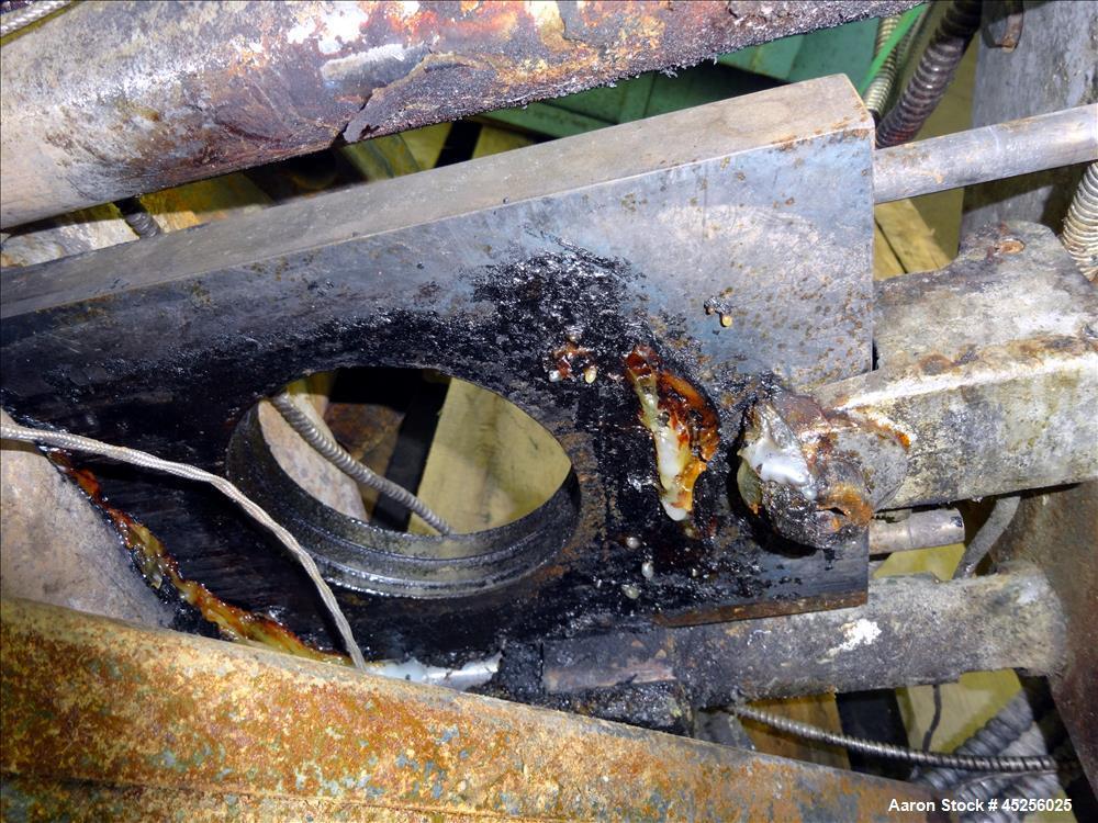 "Used- Beringer 4-1/2"" Hydraulic Screen Changer, Model CJB450"