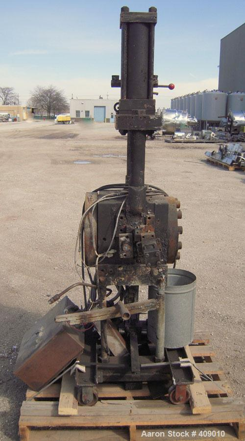 "Used- Beringer 6"" Hydraulic Screen Changer"