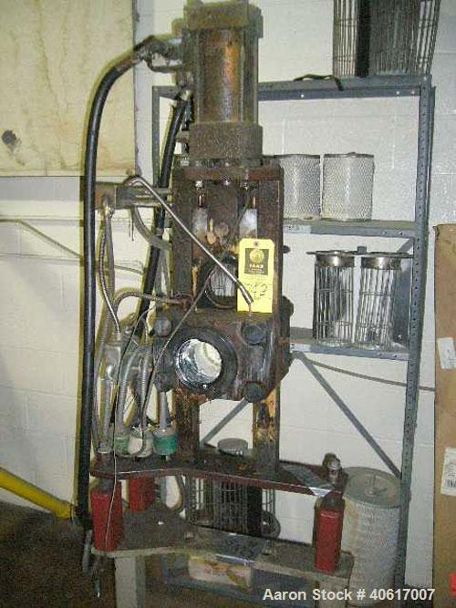 "Used- Gloucester 3.5"" Hydraulic Screen Changer. Includes a stand, requires a hydraulic pump."