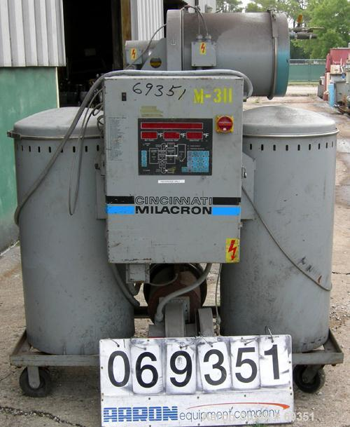 USED: Cincinnati Milacron solid bed style dryer, model CCD-300