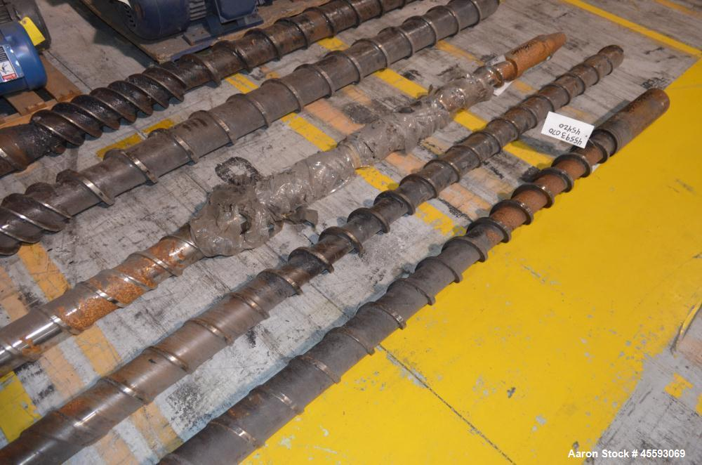 """Used- Davis Standard 4.5"""" Extruder Screw. Approximate 36 to 1 L/D ratio, 182"""" long overall length."""