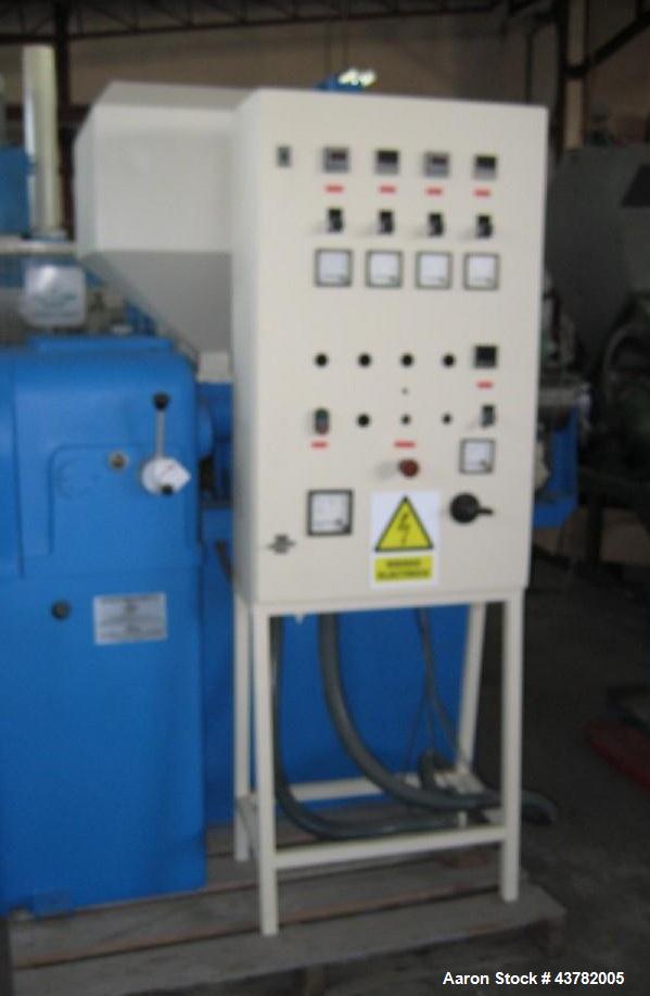 "Used-Bandera Single Screw Extruder.  Screw diameter 1.57"" (40 mm).  25 L:D.  Motor 10 hp (7 kW).  (1) Control panel.  50 Hz."