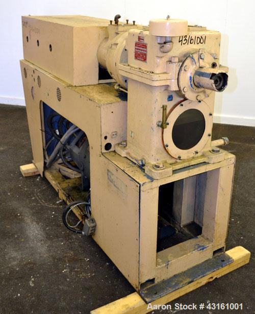 Used- Modern Plastics Machinery 2-1/2'' Single Screw Extruder. Approximate 20 to 1 L/D ratio. Electrically heated, air coole...