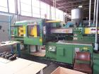 USED: 250 ton Van Dorn 35 oz shot injection molding machine. 22