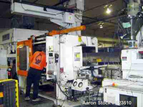 "USED: 700 Ton, 80 ounce, Van Dorn injection molding machine, model 700HRS-80F-LP. New 1993. Platen size 62"" x 52.50"". Distan..."