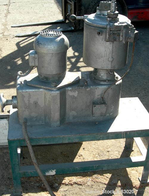 USED: Henschel high intensity lab mixer, model FM10, 10 liter (.34 cubic foot), 317 stainless steel. Carbon steel jacketed b...