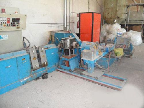 Used-Erema RGA 80 E Recycling Line. Maximum capacity 507 lbs (230 kg/h), main motor 163 hp (120 kW), double degassing unit.