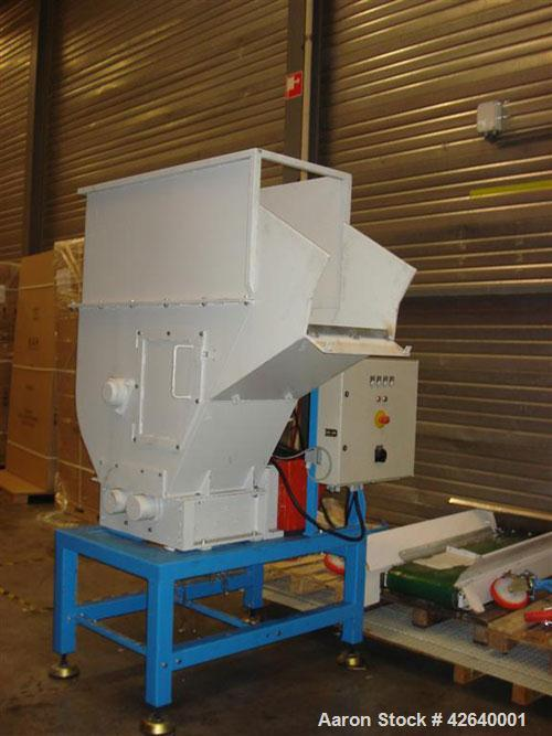 "Used-Moco AZ09F Shredder, 10 hp/7.5 kW, 1450/34 rpm direct drive, 400/690V, 3 phase, 50 hz. Cutting zone 17.1"" x 19.7"" (435 ..."