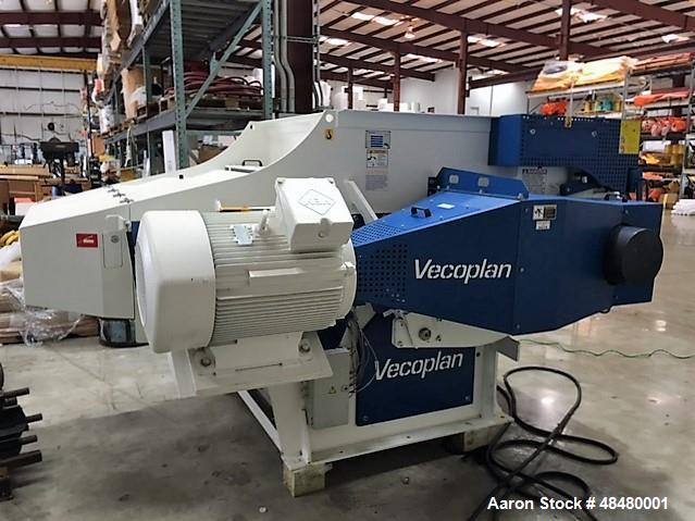 Used- Vecoplan VAZ 1300 M-FF DLX Shredder with a 150 HP Drive.