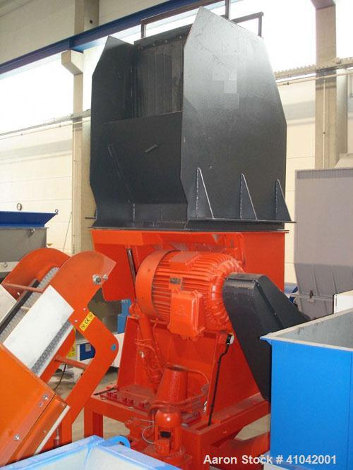 "Used-Condux Granulator CS 500/1000 II A. New 1995. 75 kW (100 hp) motor. 1000 x 65 mm (26 x 39"") inlet, 1000 x 650 mm (26 x ..."