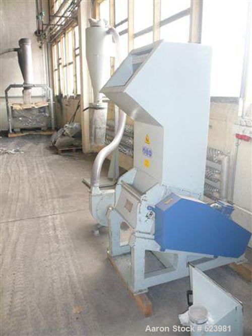 USED: Vespa granulator, type 25/40 VG. Driven by a 10 hp (7.5 kW) motor, throughput approximately 80 up to 120 kg/hour, roto...