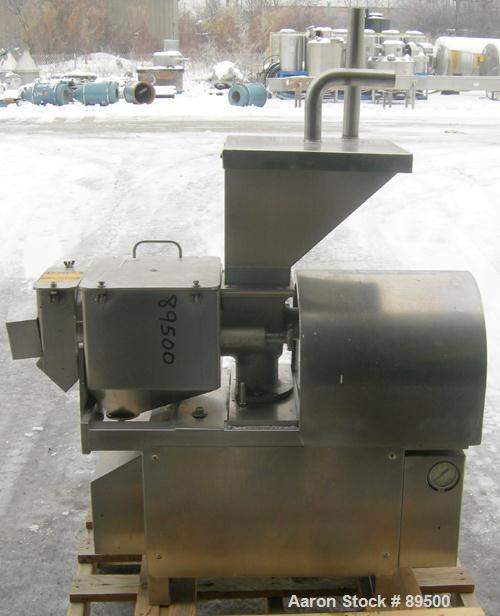 "USED: Brown International extractor finisher, model 2200, 304 stainless steel. Approximate 5"" diameter x 16"" long plastic sc..."