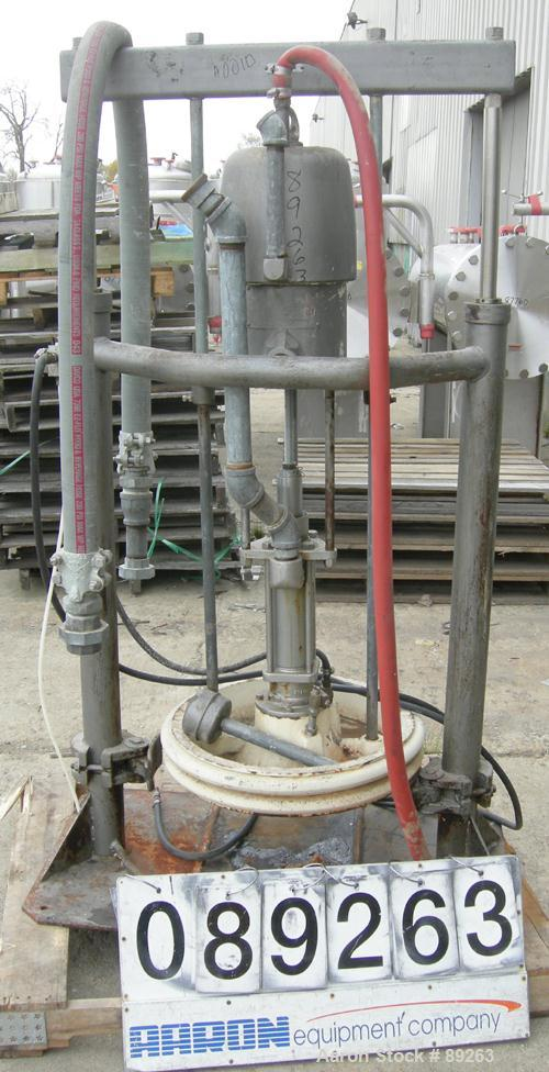USED: Graco air operated drum unloading pump, model 951-264, series 207-172. Approximately 10 gallons per minute at 60 psi, ...
