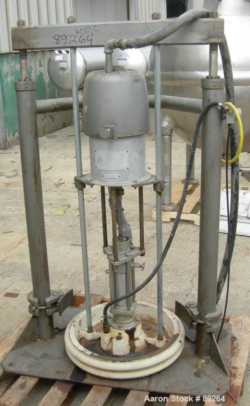 USED: Graco air operated drum unloading pump, model 952-164, series 207-172. Approximately 10 gallons per minute at 60 psi, ...