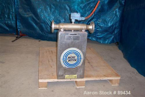 USED: Micro Motion flow meter model DS150S141SU, stainless steelproduct contact areas. Flow cal 176.415.13, dens flow 097431...