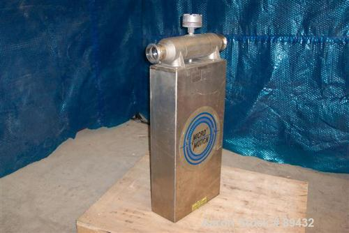 USED: Micro Motion flow meter, model DS300S161, stainless steelproduct contact areas. Flow cal 477.945.13, dens flow 0954613...