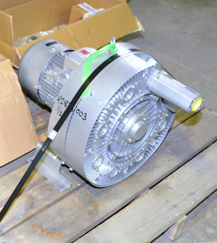 Unused- Nash Elmo Vacuum Pump/ Compressor, Single Stage, Series G 400, Model 2BH7620-0AH56-8, Carbon Steel. Two impeller des...