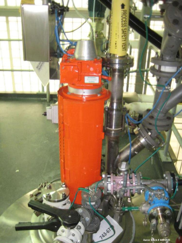 Used- Roben Hastelloy C-22 Reactor, 50 Gallon. Dished heads. Internal Rated 100 psi/Full Vacuum at 395 degrees F. 304L Stain...