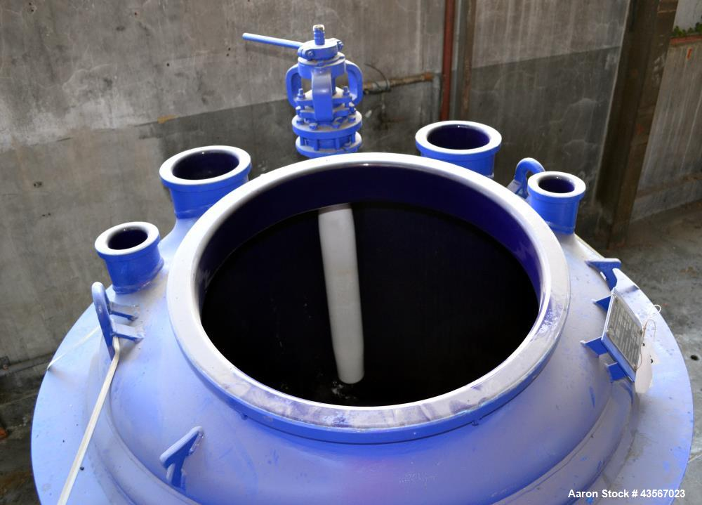 """Used- De Dietrich Glass Lined Reactor, 2030 Liter (536.43 Gallon), 3009 Blue Glass, Vertical. Approximately 54"""" diameter x 4..."""