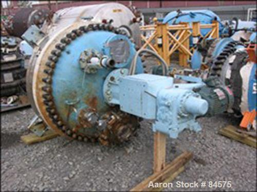 USED: Dedietrich glass lined reactor, 200 gallon. Rated 90 psi and full vacuum @ 450 deg F, jacketed for 115 psi @ 450 deg F...