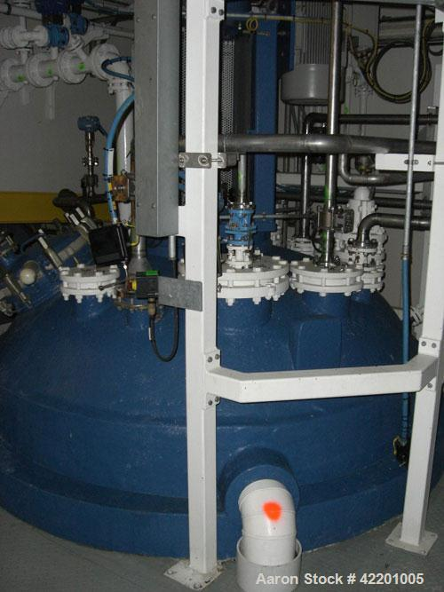 Used- Pfaudler Glass Lined Reactor, 2114 gallon (8,000 liter), 9145 glass, vertical. Welded dished top and bottom. Internal ...