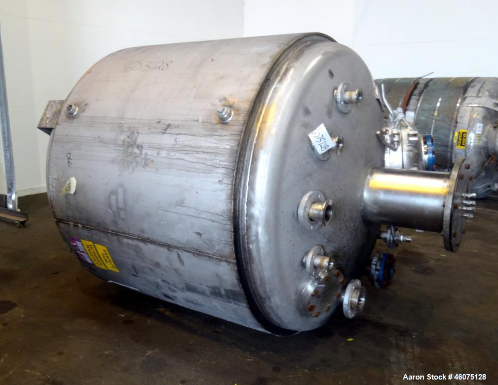 "Used- Santa Fe Tank & Heating Reactor, 900 Gallon, 316 Stainless Steel, Vertical. Approximate 66"" diameter x 56"" straight si..."