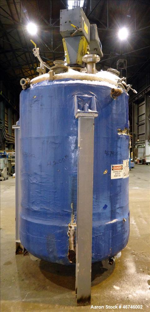 Used- Reactor, Approximately 1,000 Gallon, 304 Stainless Steel, Vertical.