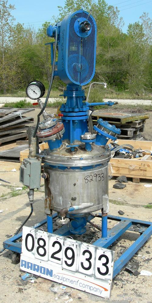 "USED: Reactor, 20 gallon, 316 stainless steel, vertical. 19-3/4"" diameter x 15-1/2"" straight side, dished bolt-on top, dish ..."