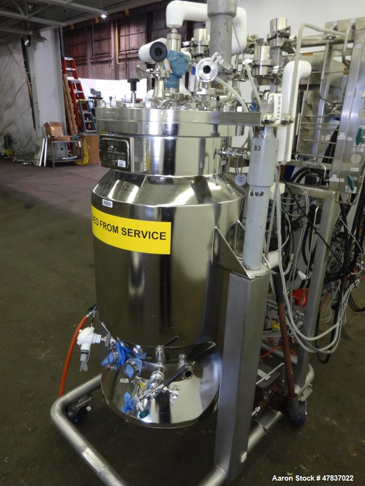 Used- Applikon Dependable Instruments Bioreactor System Consisting Of: (1) B.V. Speciaal Roestvrijstaal Industrie reactor, a...