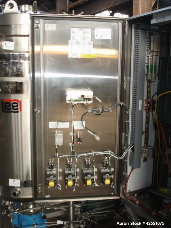 Used- 400 liter B Braun fermentor, 500 liter total capacity, 400 liter working capcity, 316L stainless steel construction, e...