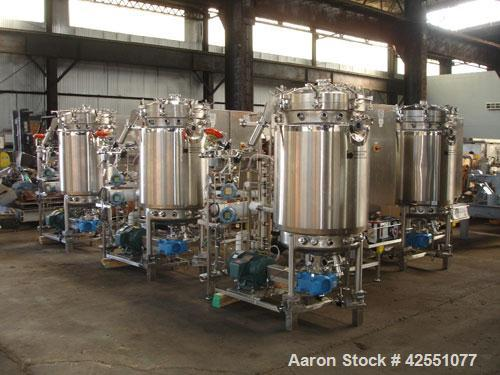 used 400 liter B Braun fermentor, 500 liter total capacity, 400 liter working capcity, 316L stainless steel construction, el...